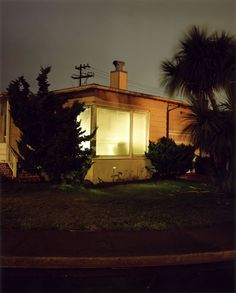 Fragments d'un voyage immobile: Todd Hido - Fragmented Narratives