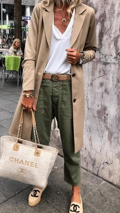 45 Trendy Spring Outfits You Must Receive / 38 # Spring . - 45 Trendy Spring Outfits You Must Receive / 38 - Fashion Mode, Look Fashion, Womens Fashion, Casual Chic Fashion, Classic Fashion Style, Trendy Fashion, Look Casual Chic, Casual Chic Summer, Classy Fashion