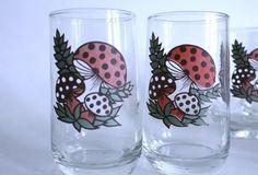 Cute vintage mushroom glasses!