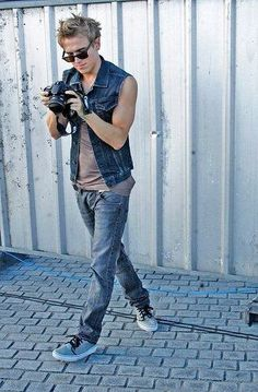 tom fletcher - A man with a decent camera is a sexy man in my eyes. I am a photographer and I have the same camera as Tom Fletcher. Please bear with me as I just fangirl massively...