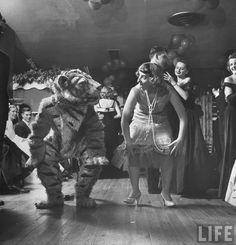 Barbara Pettit dancing the Charleston at a university party  Photographer: Martha Holmes (   Princeton, New Jersey, USA, November 1949. )
