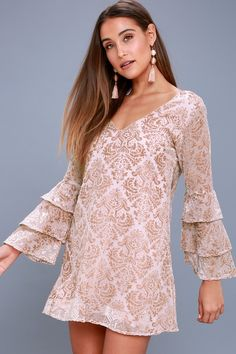 Fancy fetes call for a grand entrance in the Lucy Love Shine On Blush Burnout Velvet Shift Dress! Burnout velvet creates an eye-catching Baroque print across this woven dress, with a V-neck and back, darted bodice, and shift silhouette. Long sleeves end in tiered, flounce cuffs.