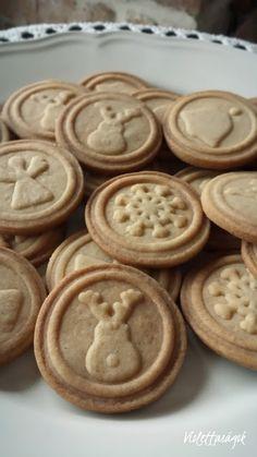 Violettaságok: Sütipecsétes keksz Christmas Cookies, Cookie Recipes, Food, Xmas Cookies, Biscuits, Cookies, Hoods, Christmas Desserts, Meals