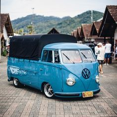 Volkswagen Type 2, Volkswagen Group, Vw T1, Kombi Pick Up, Busse, Vw Cars, Daily Pictures, Unique Cars, Belle Photo