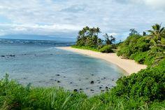 You'll find Kumimi Beach on the East side of Molokai, Hawaii - let's go beach hopping!