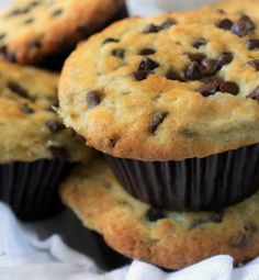 Don't let those overly ripe bananas go to waste! Use them in a super simple and delicious banana chocolate chip muffin recipe! - Everyday Dishes & DIY