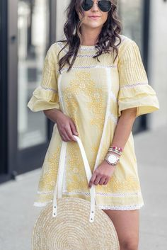 embroidered spring dress, available in 3 colors! Frock Fashion, Workwear Fashion, Prep Fashion, Fashion Dresses, Fashion Edgy, Fashion Tips, Athleisure, Cute Summer Outfits, Casual Summer