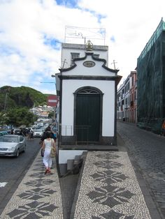 Calçada Portuguesa na Horta, Faial Açores, Portugal - JL