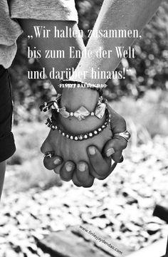 Uns kann man nicht stoppen, denn Liebe überwindet jedes Hindernis! Wir halten zusammen, bis zum Ende dieser Welt, und darüber hinaus!  In diesem Sinn wünsche ich Euch ALLEN ein wunderschönes Wochenende  Titel: Wir halten zusammen Text u. geistiges Eigentum: Finley Jayden Dao Bild: pixabay / Finley Jayden Dao web: www.finleyjaydendao (at) com #finleyjaydendao #love #liebe #zitate #zitat #amor #gemeinsamkeit #beautiful #zusammenhalt