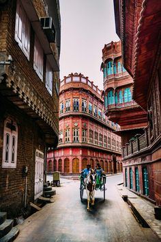 Jaipur Travel, India Travel, Best Places To Travel, Places To See, Indian Architecture, Rajasthan India, Beautiful Places To Visit, Incredible India, Travel Pictures