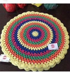 Bom dia!! . . Olha que coisa mais linda, mais cheia de graça❤️❤️❤️ . Sousplatscroche mandala . ❌25 reais a unidade Encomende os seus! . . Gostou, curta , siga e compartilhe . . #bomdia #mandala #arteemlinha #colorido #cores #diadotrabalho #sousplats #tableware #mesalinda #artesanato #collor #sousplatscroche #Mesalinda #mesahits #mesaposta #candycolors #handmade #tableware #jogoamericano #croche #crocheting #crochet #artesanato #meseirasdobrasil #meseirasassumidas #casan Crochet Circles, Crochet Mandala, Crochet Round, Cute Crochet, Crochet Lace, Crochet Stitches, Crochet Baby Dress Pattern, Crochet Patterns, Crochet Dollies
