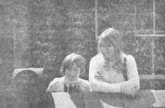 julian holding a 1978 reissue of the ballad of john and yoko Cody Lohan, Dean Thomas, Jane Asher, Julian Lennon, Love Of My Life, My Love, Picture Tag, World Best Photos, Rolling Stones