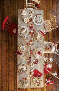 Porcelanowa kolekcja Aronda Erzgebirge firmy Kahla: talerzyk deserowy - 39 zł, filiżanka - 42 zł, mlecznik - 75 zł. MONETTI #weranda #christmastable #dekoracjenastol #swieta #bozenarodzenie