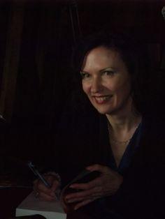 Jacqueline Zirkzee tijdens de boekpresentatie van de VOC-roman Reimer