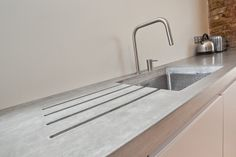 Polished concrete worktops & countertops for residential kitchens Concrete Worktop Kitchen, Polished Concrete Kitchen, Kitchen Surface, Kitchen Flooring, Polished Cement, Kitchen Worktops, Kitchen Sinks, Kitchen Reno, Kitchen Chairs