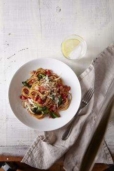 One-Pot Pasta with Spinach & Tomatoes ‹ Hello Healthy