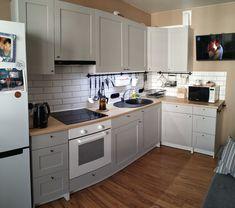 Knoxhult Ikea, Ikea Hacks, Ikea Kitchen Cabinets, Grey Kitchens, Cool Apartments, Basement Remodeling, Kitchen Hacks, Hygge, Kitchen Remodel