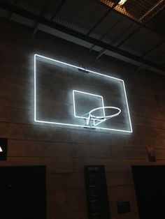 Play in the Dark: Neon basketball hoop ! This is perfect with the neon balls and gloves ! We have to do it senior year one time S Upchurch Taylor Richardson Francine Stepp Neon Lighting, Lighting Design, Bühnen Design, Sport Bar Design, Vive Le Sport, Ouvrages D'art, Interior Design Trends, Basketball Hoop, Indoor Basketball