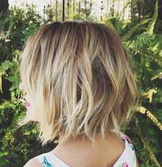 I love this cut! This style. Not a huge fan of the colour... Krista
