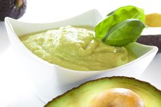 avocado sauce with garlic & rice vinegar Avocado Baby Food, Ripe Avocado, Avocado Health Benefits, Baby Puree, Rice Vinegar, Good Fats, Pressure Cooking, Meals For One, Baby Feeding