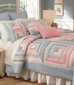 Cremieux Desiree Quilt Collection yes this pink I like Low volume log cabin quilt - 6 logs per side!but downsize the logs to Would use different colors, but this quilt demos that you don't need high contrast in color to make a beautiful log cabin quilt . Log Cabin Quilts, Édredons Cabin Log, Log Cabins, Log Cabin Patchwork, Guest Cabin, Diy Quilt, Colchas Quilt, Quilt Blocks, Patch Quilt