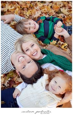 Family Fall Photo Ideas | Totally Love It