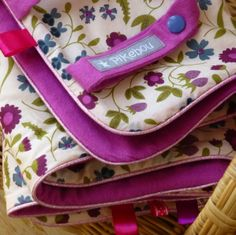 couverture multifonction pour poussette/cosi/porte bébé ou écharpe - Liberty Mirabelle Liberty, Lunch Box, Packing, Dressmaking, Changing Pad, Changing Bag, Baby Door, Bebe, Bag Packaging