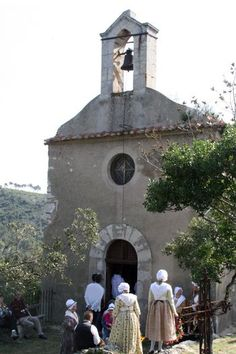 Provencal traditions and holidays have a strong tradition.