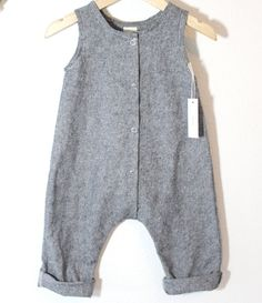 Made to Order Baby Linen/Cotton Snap Up Romper in Grey/Black - My favorite children's fashion list Hipster Kind, Baby Boy Fashion, Kids Fashion, Baby Outfits, Kids Outfits, Stylish Baby Clothes, Black Linen, Black Cotton, Baby Sewing