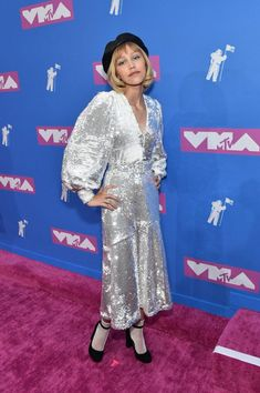 Take a look at the red carpet at the 2018 VMAs! If you missed the VMAs this year, don't worry because we have the best of the best dressed on the red carpet! Mtv Awards 2018, Celebrity Red Carpet, Celebrity Style, Top Music Artists, Mtv Video Music Award, Music Awards, Mtv Music, Star Girl, Spring Summer Trends