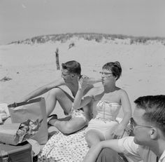 Then: Hanging out at the beach. | Teens In The 1950s Vs. TeensToday
