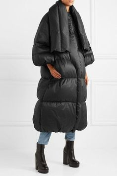 Black shell Concealed snap and zip fastening at front polyamide; filling: down (Goose), feathers (Goose) Dry clean Made in Italy Undone Look, We Fall In Love, Down Coat, Cold Weather, Feathers, Shell, Winter Jackets, Neon, Italy