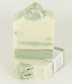 Love this sweet pea soap.  French green clay is so great for cleansing.... love the warm sweet pea fragrance ~  I am going to use for a shower gift for all my guests.