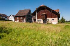 2'000 m² Bauland mit Wohnhaus und Scheune/Stall