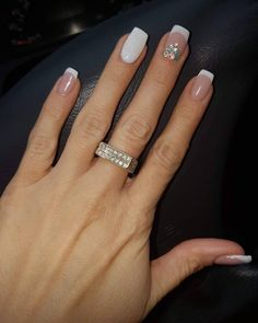 130 glitter gel nail designs for short nails for spring 2019 page 26 nageldesign french Cute Nails, Pretty Nails, Hair And Nails, My Nails, Diva Nails, Gel Nagel Design, Glitter Gel Nails, Glitter French Nails, Nail Manicure