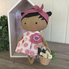 The new Tilda doll Tiny Dolls, Soft Dolls, Stuffed Animals, Diy Dolls Making, Tilda Toy, Doll Display, Sewing Dolls, Doll Crafts, Fabric Dolls
