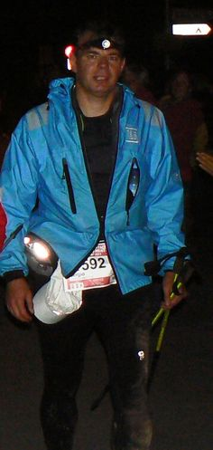 Vertical: Marca francesa de montaña que vende sobre todo en Alemania y es desconocida en España. Pero que buenos son... Aquí historia y catálogo de la marca: http://carrerasdemontana.com/2011/10/14/material-de-montana-vertical-grupo-raidlight-catalogo-1112/#