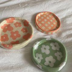 Ceramic Pottery, Pottery Art, Ceramic Art, Ceramic Painting, Jewelry Tray, Clay Jewelry, Keramik Design, Clay Plates, Clay Art Projects