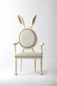 Merve Kahraman (born in 1987) studied Interior Design at the Istituto Europeo di Design(Milan/Italy) before moving to London. Since graduating, she has worked in several architecture and design studios in Istanbul, New York and London. Her decision to specialize in industrial design stems from her desire to include furniture and products as an integral part of her designs for spaces.