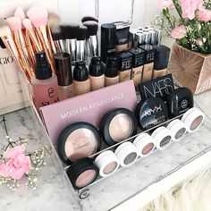"""Gefällt 1,378 Mal, 13 Kommentare - VANITY COLLECTIONS (@vanitycollections) auf Instagram: """" Mother's Day Flash Sale . Vanity Collections For all your modern makeup storage + decor needs.…"""""""