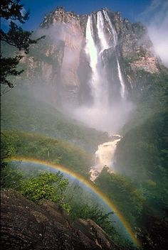 Angel Falls, the worlds highest waterfall is in Venezuela nature-earth Places Around The World, Oh The Places You'll Go, Places To Travel, Places To Visit, Beautiful Waterfalls, Beautiful Landscapes, Famous Waterfalls, Angel Falls Venezuela, Beautiful World