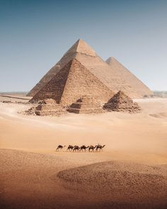 The Pyramid of Khafre is the second-tallest and second-largest of the Ancient Egyptian Pyramids of Giza and the tomb of the Fourth-Dynasty pharaoh Khafre, who ruled from c. 2558 to 2532 BC. Egypt Art, Cairo Egypt, Places To Travel, Places To See, Great Pyramid Of Giza, Pyramids Of Giza, Egypt Travel, Africa Travel, Ancient Egypt