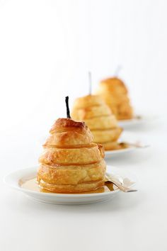 Poached pears with pastry