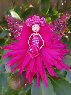 Lula Tuesdays Angel Flowers, Flower Fairies, Flower Petals, Diy Flowers, Christmas Tree Themes, Christmas Angels, Clothes Pin Ornaments, Clothespin Dolls, Tiny Dolls