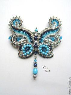 Купить или заказать Бабочка в интернет-магазине на Ярмарке Мастеров. Брошь-кулон бабочка. Можно подвешиват…