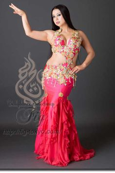 Design by Yasser / Model: Yoshie / Fig Belly Dance #figbellydance #bellydancecostume #worldwideshipping
