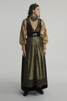 Medieval Costume, Folk Costume, Traditional Fashion, Traditional Outfits, Scandinavian Fashion, Renaissance Clothing, Summer Outfits Women, Character Outfits, Costume Design