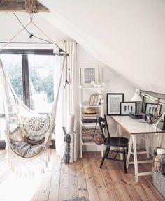 """study/work spaces Like if you want to work/study in here! Tbh, when I looked at her room and then looked back at my room, ugh """"I think I need to clean my room. Diy Room Decor For Teens, Teen Room Decor, Room Decor Bedroom, Cleaning My Room, Dream Rooms, My New Room, House Rooms, Interior Design Living Room, Room Inspiration"""