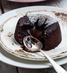 Sweet Recipes, Cake Recipes, Cinnamon Roll Pancakes, Polish Recipes, Cupcake Cakes, Fondant, Good Food, Food And Drink, Sweets