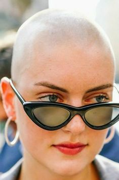 Bald Head Women, Bald Girl, Close Shave, Shaving Razor, Bald Heads, Shaved Head, Androgynous, Hair Loss, Cat Eye Sunglasses